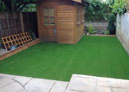 Fake-grass-garden-Earlsfield,-London