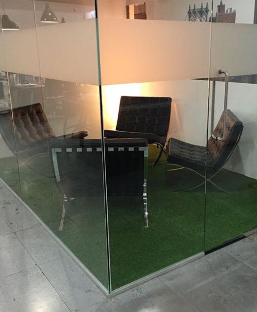 Plastic grass insallation in a Brent office