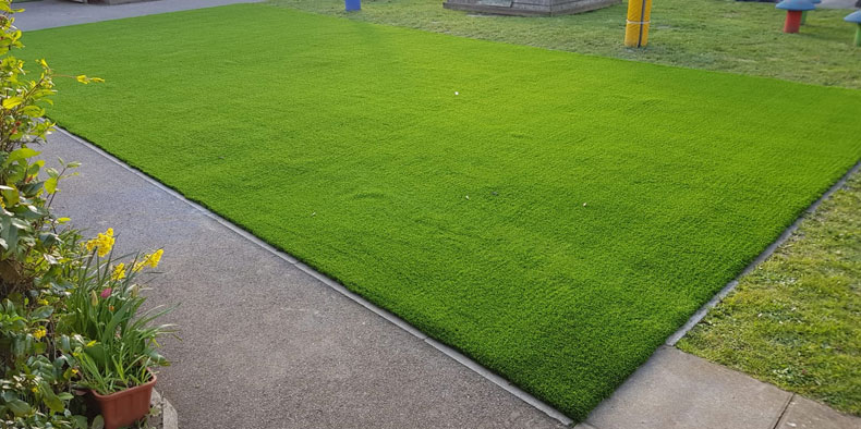 fake grass installed by AstroLondon in Central London